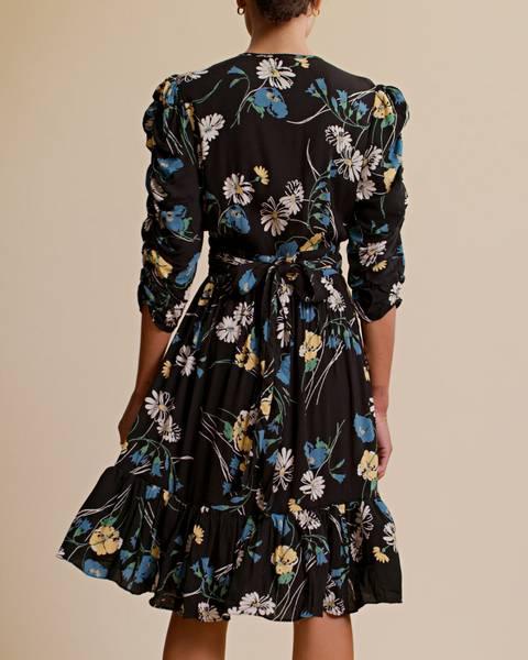 Bilde av by TIMO BUBBLE VISCOSE WRAP DRESS DAISY